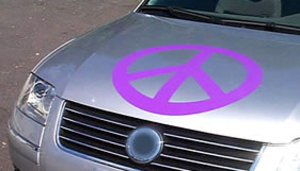 Peace_symbol_on_car_1